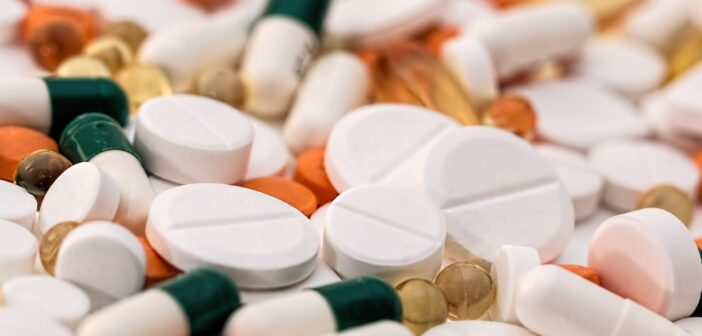 Эксперт рассказал, как в России будут бороться с контрафактом лекарств в Интернете