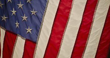 Посольство США в Беларуси распродает мебель, бытовую и оргтехнику
