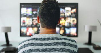 Белорусам на смартфоны и ТВ поставят российские приложения
