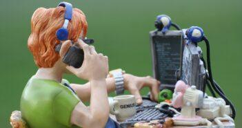 Как загнать программистов обратно в офис?
