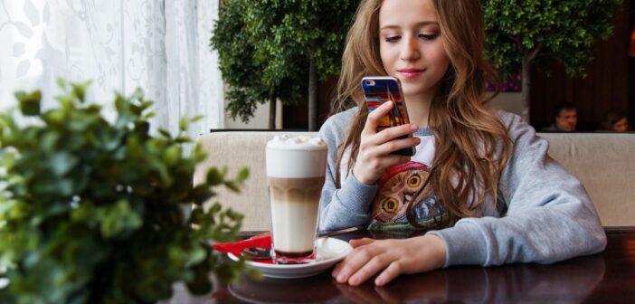 В России сертифицировали новое приложение для приема карт с помощью смартфонов